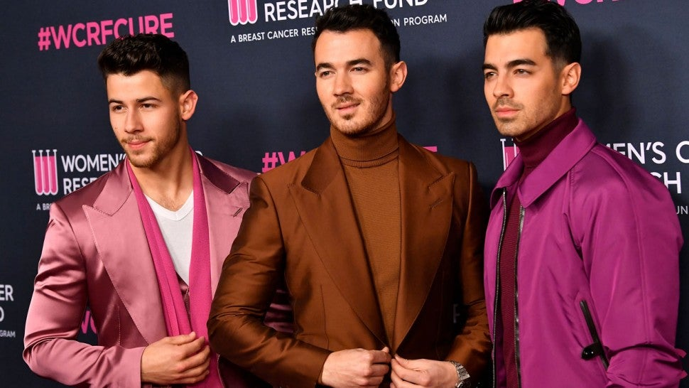 Jonas Brothers to Star in 'Family Roast' Comedy Special Hosted by Kenan Thompson.jpg