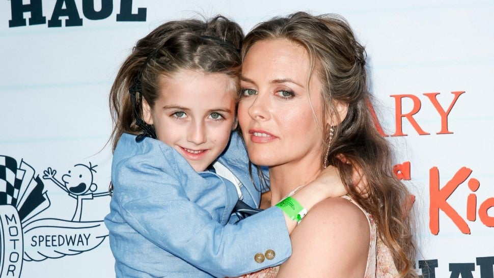 Alicia Silverstone Recreates Iconic 'Clueless' Scene With Her Son for Film's 26th Anniversary.jpg