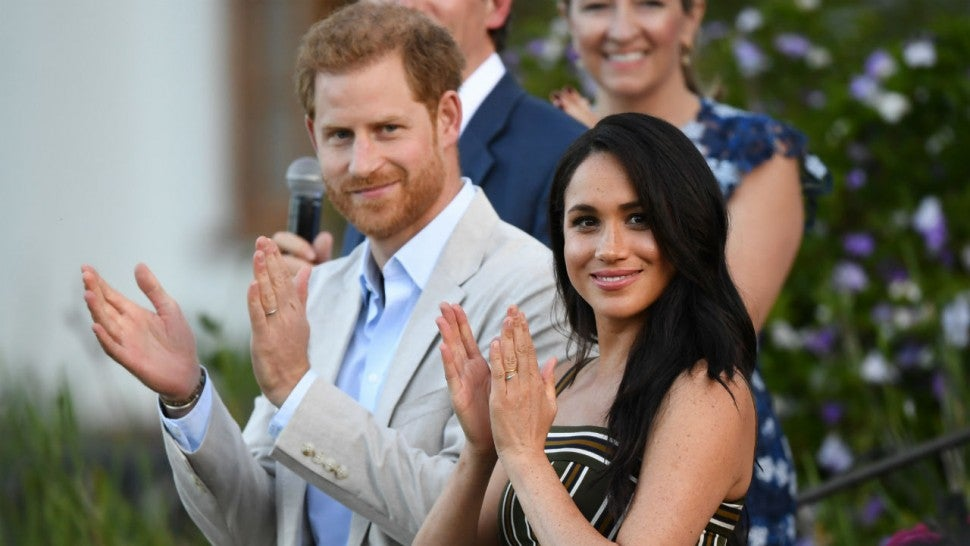 see meghan markle and prince harry s first portrait since exiting roles as senior royals entertainment tonight see meghan markle and prince harry s