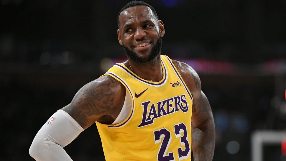 LeBron James Becomes First Player in NBA History to Make $1 Billion in Earnings While Still Playing.jpg