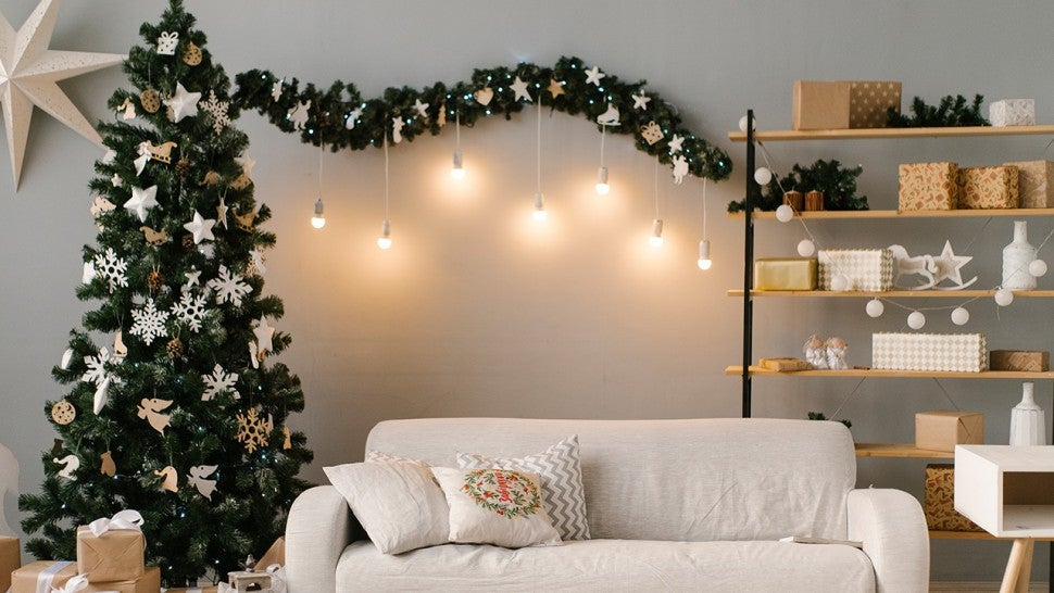 The Best Holiday Decor Deals From Wayfair, Macy's and More ...