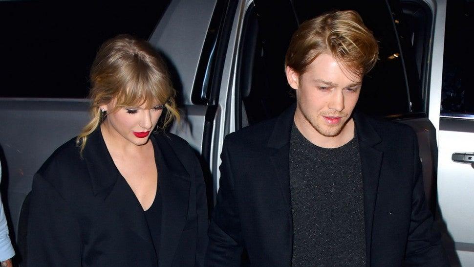 Taylor Swift Says Boyfriend Joe Alwyn Absolutely Understands Her A Lister Lifestyle Entertainment Tonight