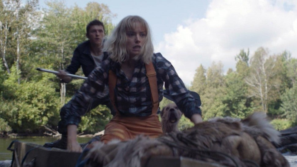 Tom Holland and Daisy Ridley Run for Their Lives in 'Chaos Walking' (Exclusive Clip).jpg