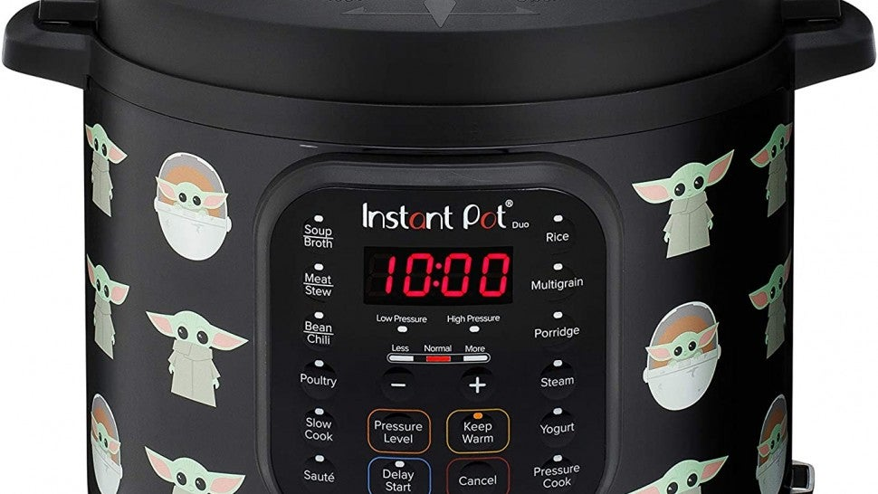 This Star Wars-Themed Instant Pot is 40% off on Amazon.jpg