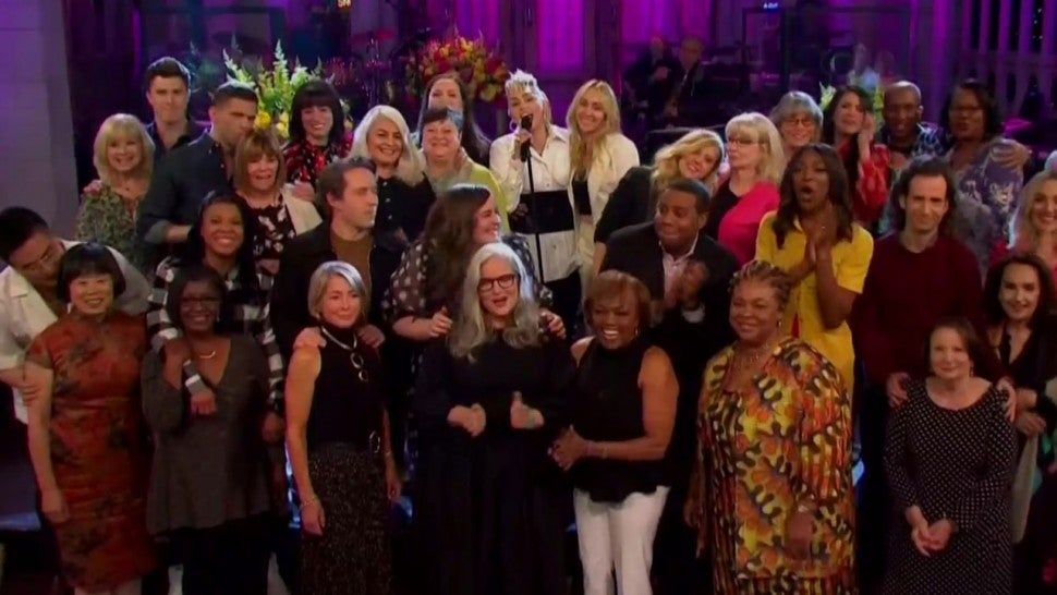 'Saturday Night Live': Miley Cyrus Kicks Off Mother's Day Episode With Some Help From Castmembers' Moms.jpg