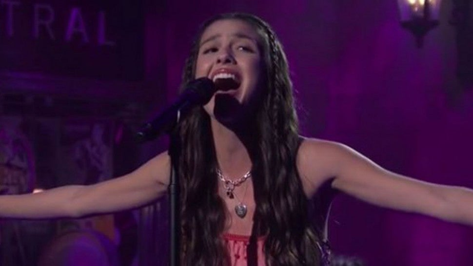 Olivia Rodrigo Wows Fans In Her 'Saturday Night Live' Debut With Powerful 'Drivers License' Performance.jpg
