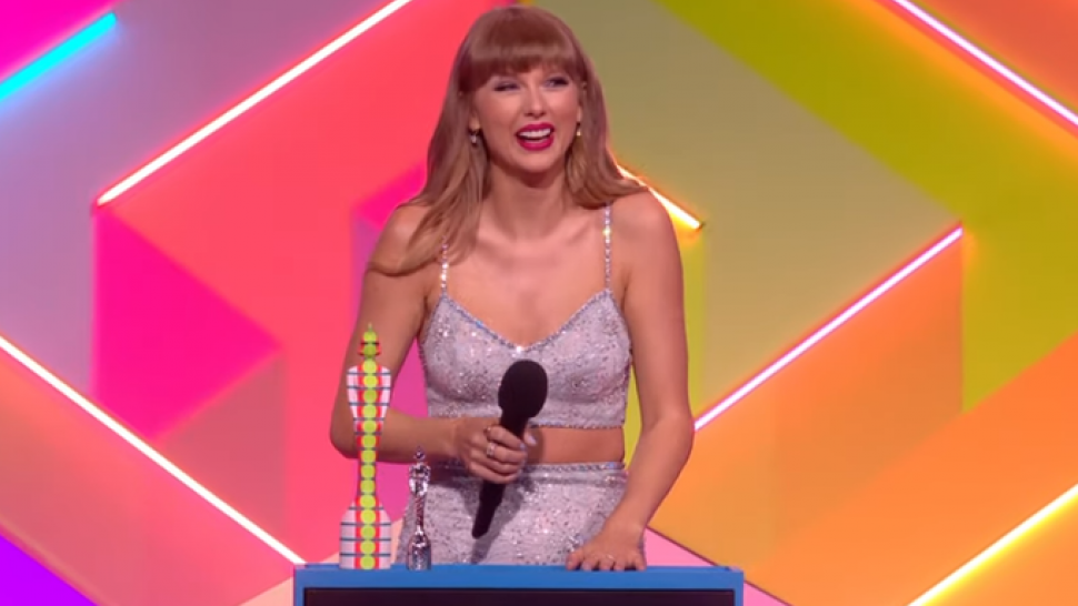 Taylor Swift Gives Joe Alwyn a Sweet Shout-Out During Historic Global Icon Award Speech at BRIT Awards.jpg
