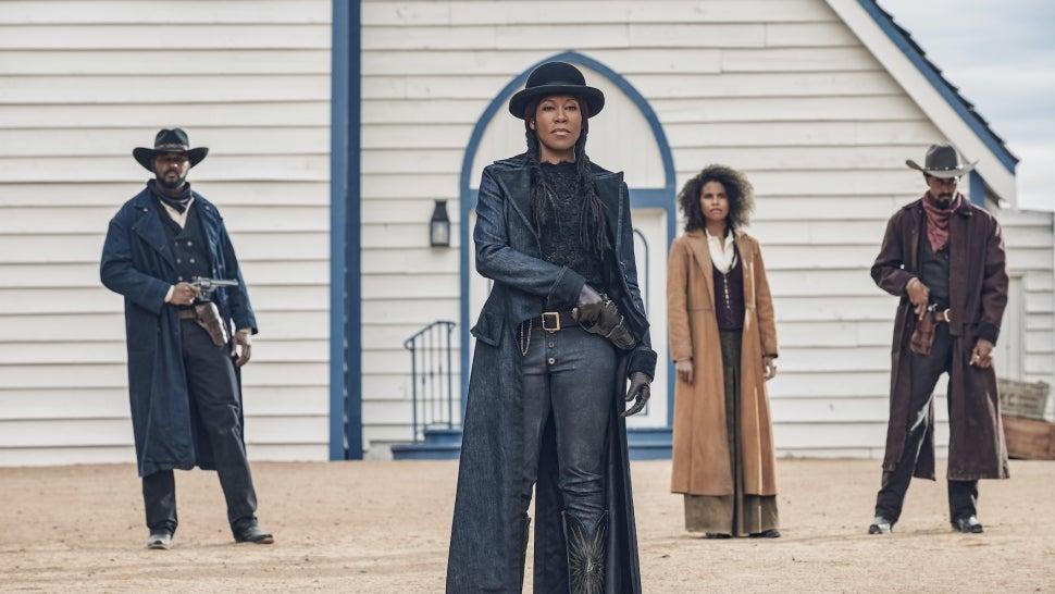 Regina King, Idris Elba and Jonathan Majors Stage Epic Showdown in Netflix's Western 'The Harder They Fall'.jpg