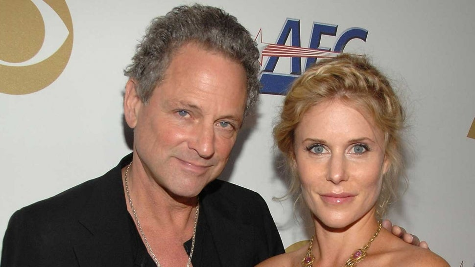 Fleetwood Mac's Lindsey Buckingham's Wife Files for Divorce After 21 Years of Marriage.jpg
