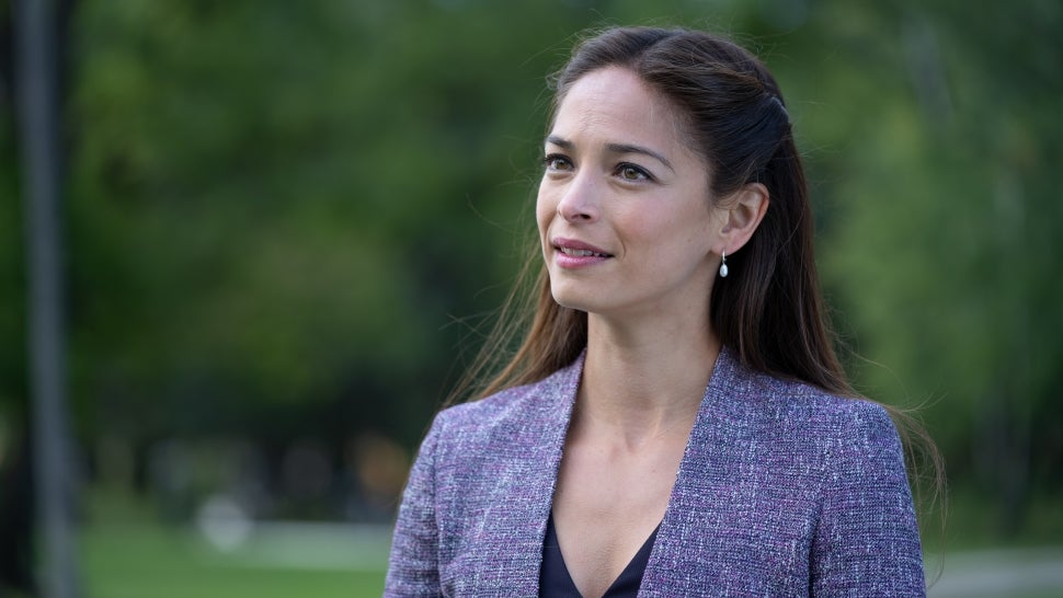 Kristin Kreuk on Saying Goodbye to 'Burden of Truth' After Four Seasons (Exclusive).jpg