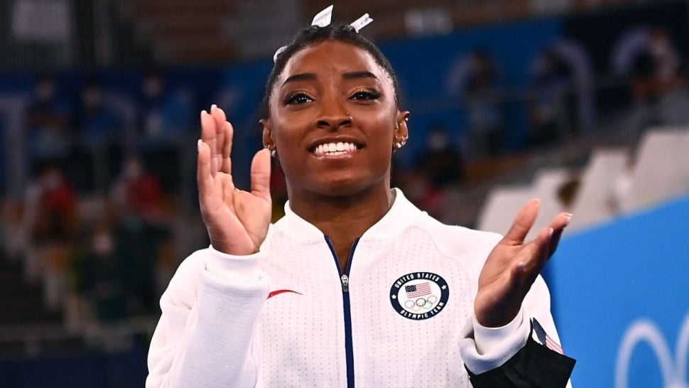 Simone Biles' Boyfriend Jonathan Owens Supports Her After Olympic Competition Exit.jpg