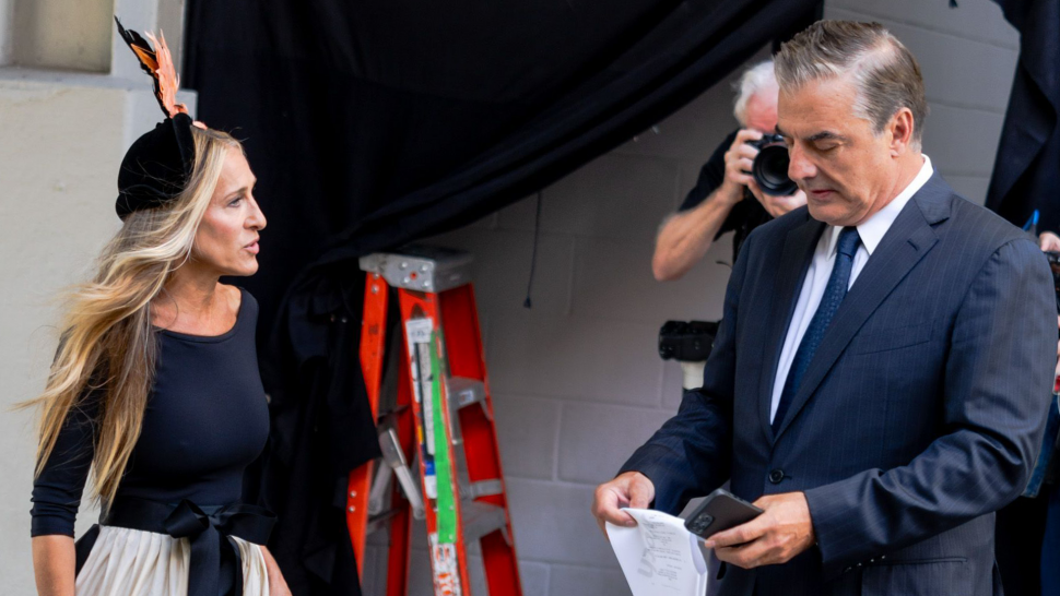 Sarah Jessica Parker and Chris Noth Spotted on Set of 'Sex and the City' Revival.jpg