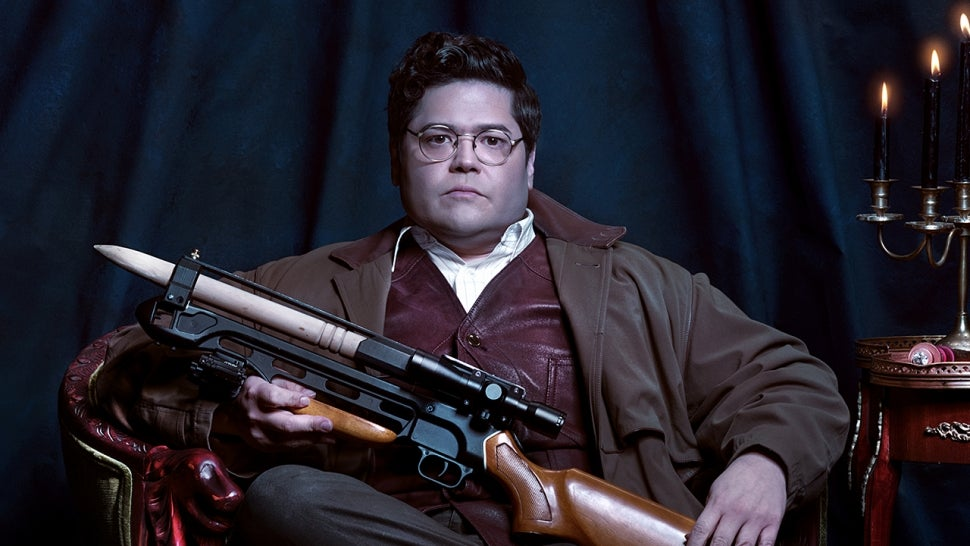 Harvey Guillén on Playing a Bolder, More Confident Guillermo in 'WWDITS' Season 3 (Exclusive).jpg