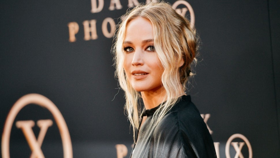 Jennifer Lawrence Shows Off Growing Baby Bump in Black Crop Top During Stroll in NYC: Pic!.jpg