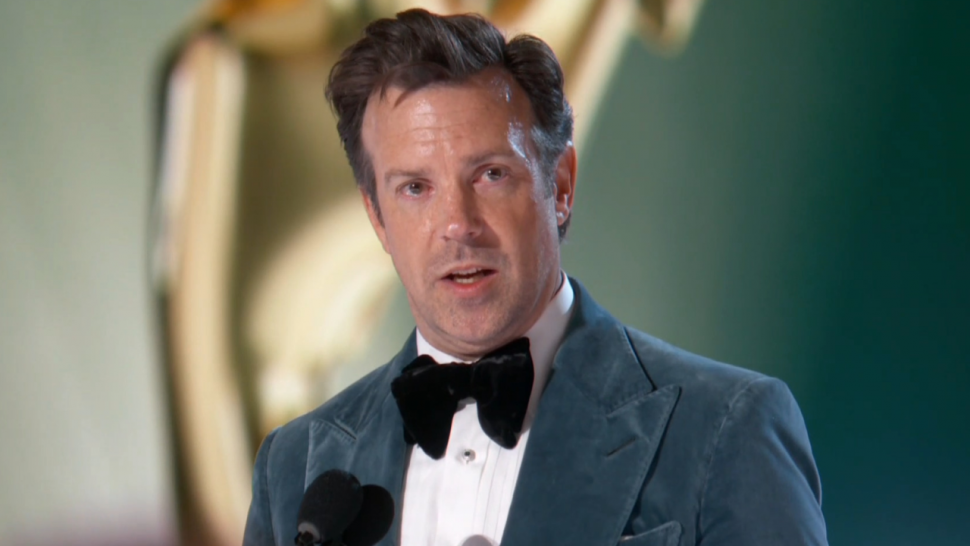 Jason Sudeikis Jokes About Lorne Michaels 'Taking a Dump' During His 'Ted Lasso' Acceptance Speech.jpg