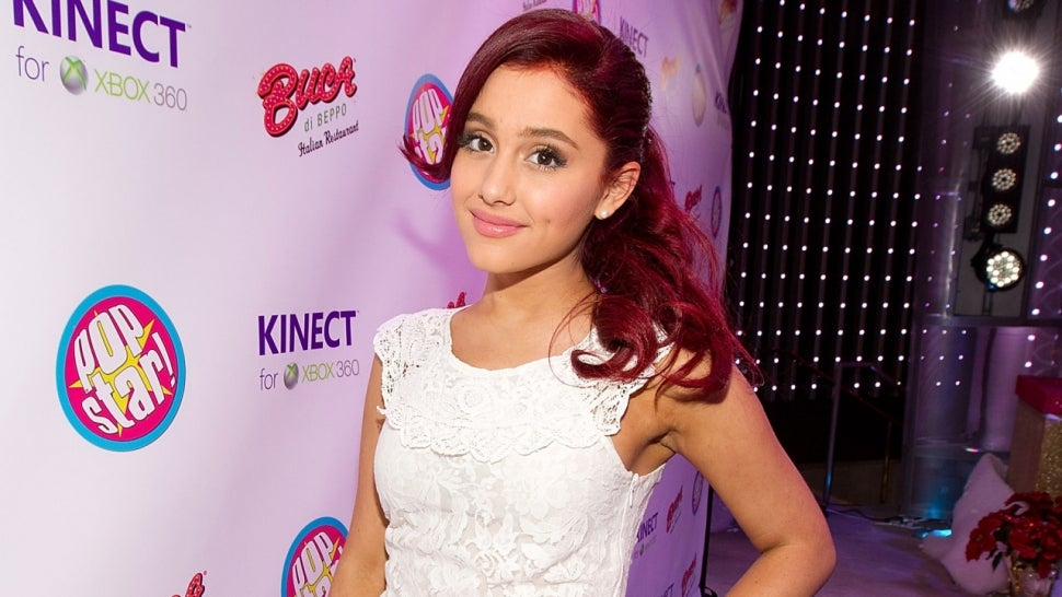 Ariana Grande Fans Celebrate Her 'Voice' Debut With Amazing Throwback Tweets.jpg