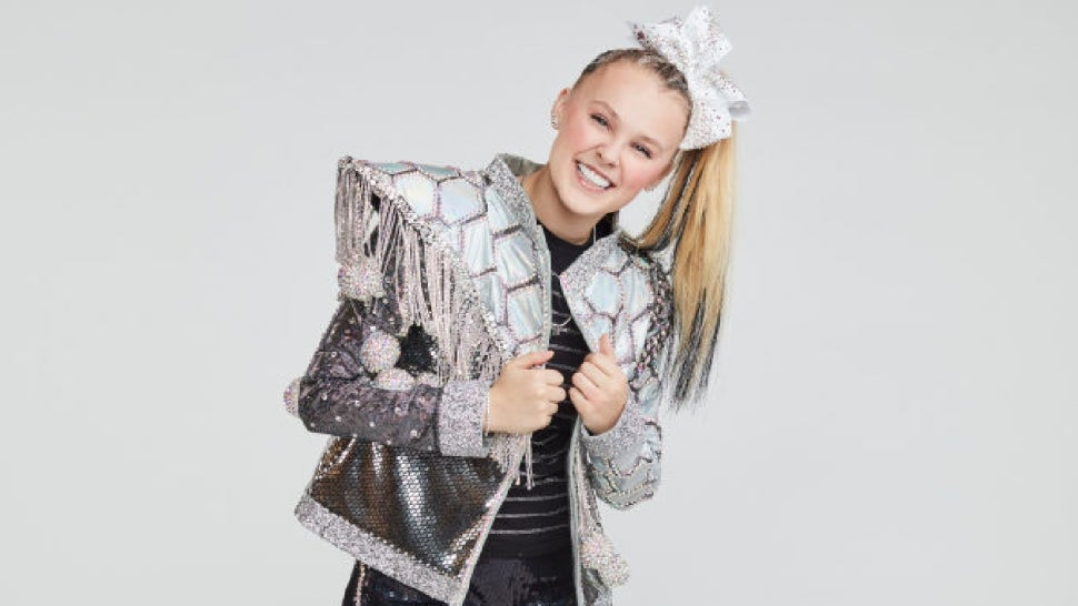 JoJo Siwa Reacts to Earning Highest Score of the Night After Historic 'DWTS' Debut Performance (Exclusive).jpg