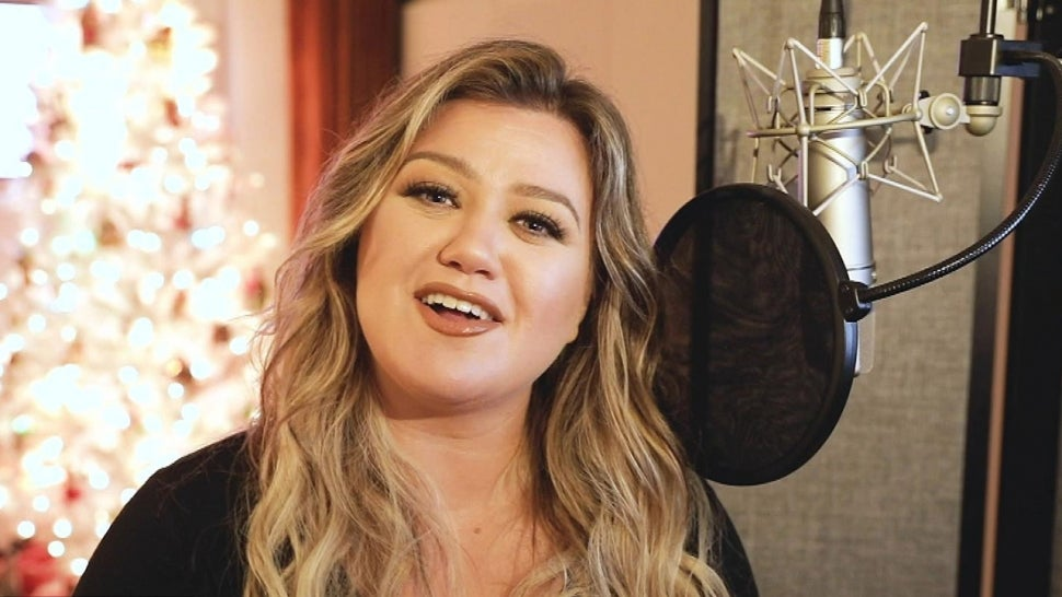 Kelly Clarkson Shares the Inspiration Behind Her New Breakup Christmas Song and Holiday Album (Exclusive).jpg