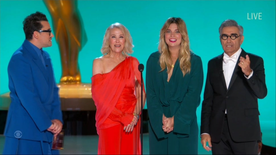 'Schitt's Creek' Cast Bring the Laughs to the 73rd Emmys While Handing Out Comedy Awards.jpg