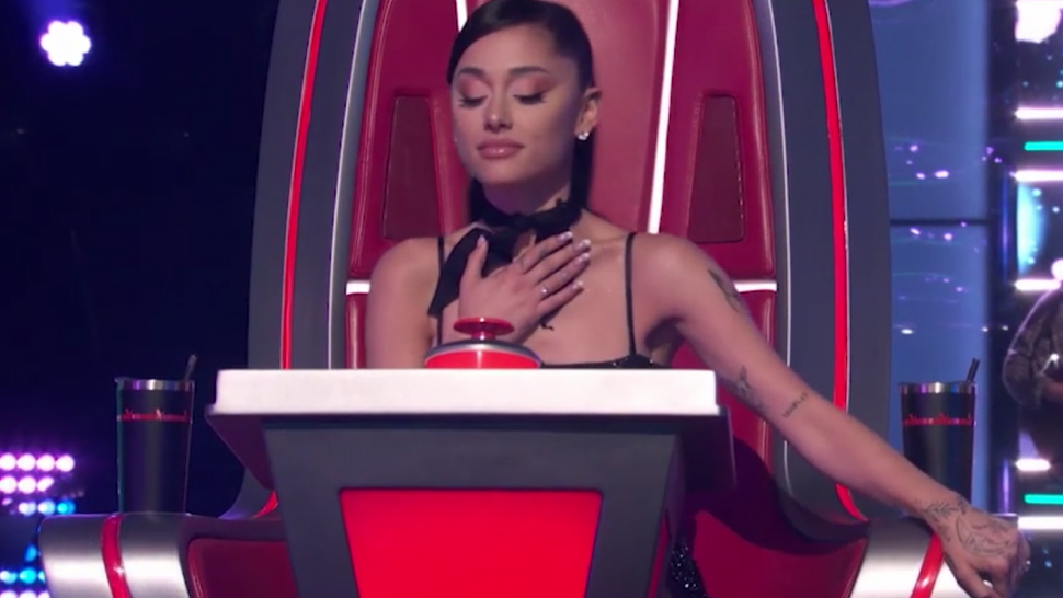 'The Voice': Ariana Grande Turns at the Last Second for David Vogel's Cover of Her Song 'Breathin'.jpg