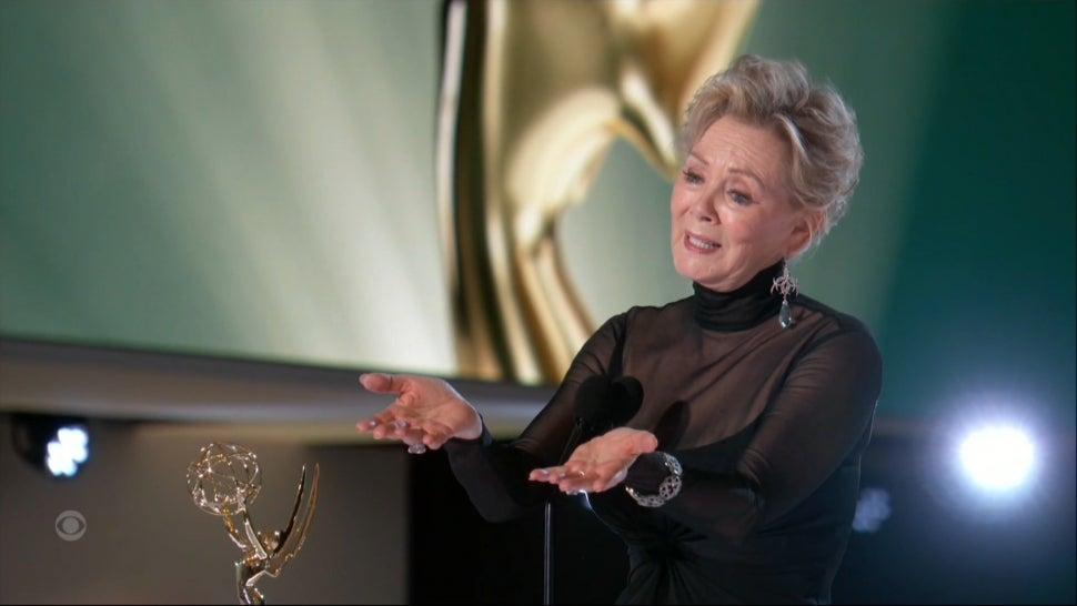 Jean Smart Emotionally Dedicates Best Actress Comedy Emmy Win to Late Husband.jpg