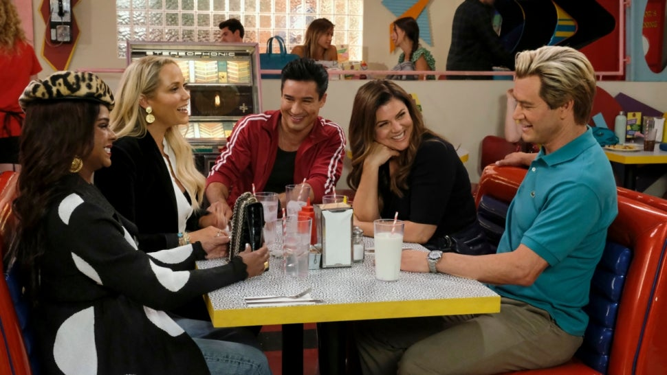 'Saved by the Bell' Returning for Season 2 in November: See the First Look Photos.jpg