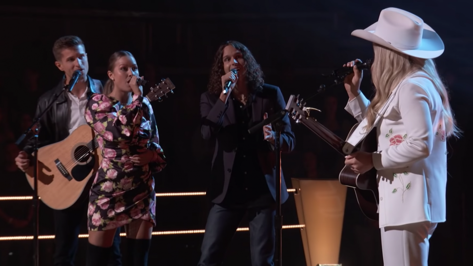 'The Voice' Sneak Peek: Girl Named Tom and Kinsey Rose Get a Standing Ovation in First Battle of Season 21.jpg