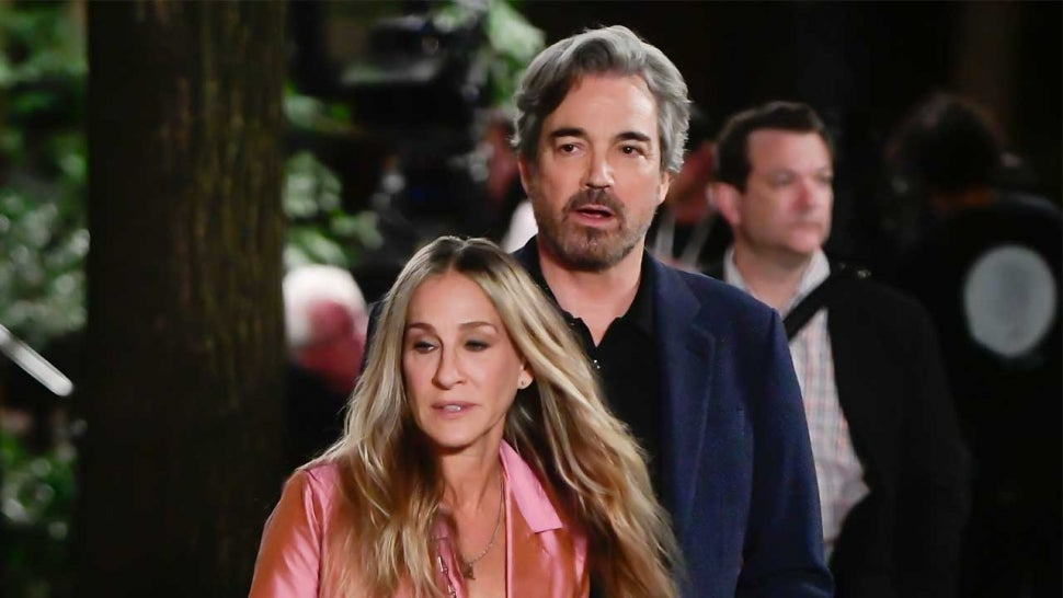 Sarah Jessica Parker Kisses Jon Tenney on 'Sex and the City' Reboot Set, Has Fans Asking About Mr. Big.jpg