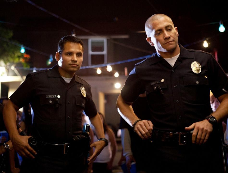Три полицейских и два мужика смотреть — 12