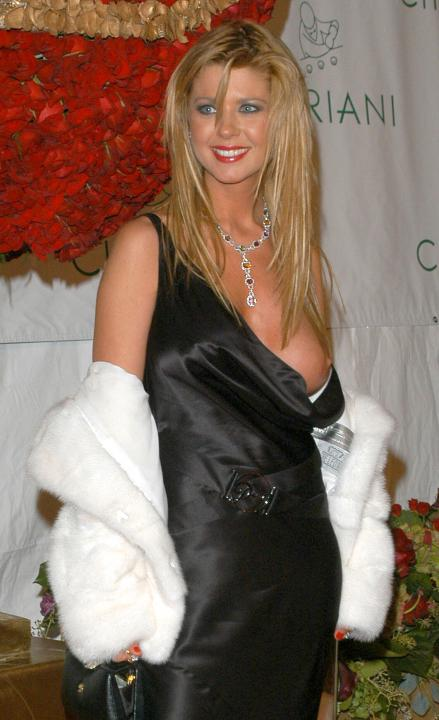 tara reid breast