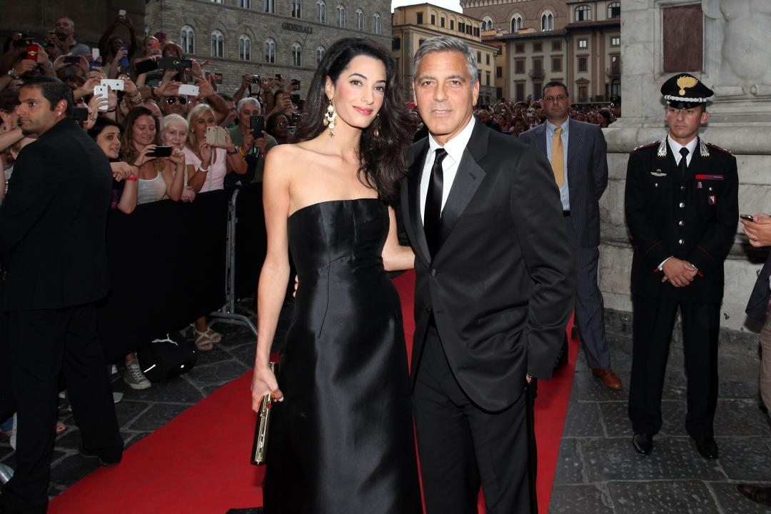 Here's Proof That Clooney Only Gets Better With Age - Page 3 Set_amal_clooney_454903374