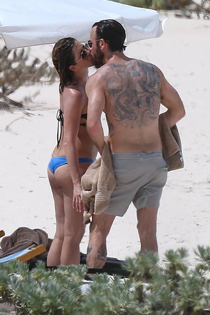 Inside Jennifer Aniston & Justin Theroux's Sexy, Romantic