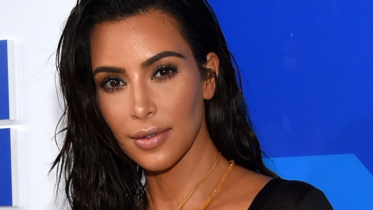 Kourtney Kardashian flaunts hot bikini body after