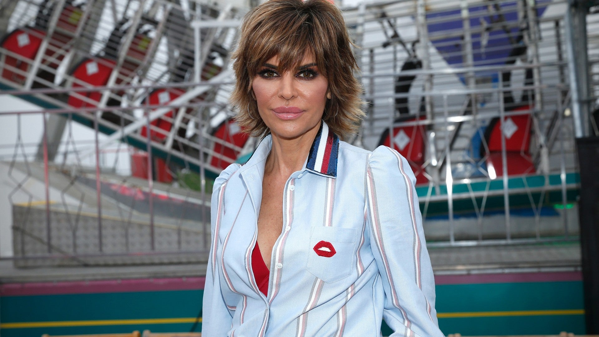 Lisa Rinna Ditches Her Signature Bob For Longer Locks See The Shocking Hair Transformation Entertainment Tonight