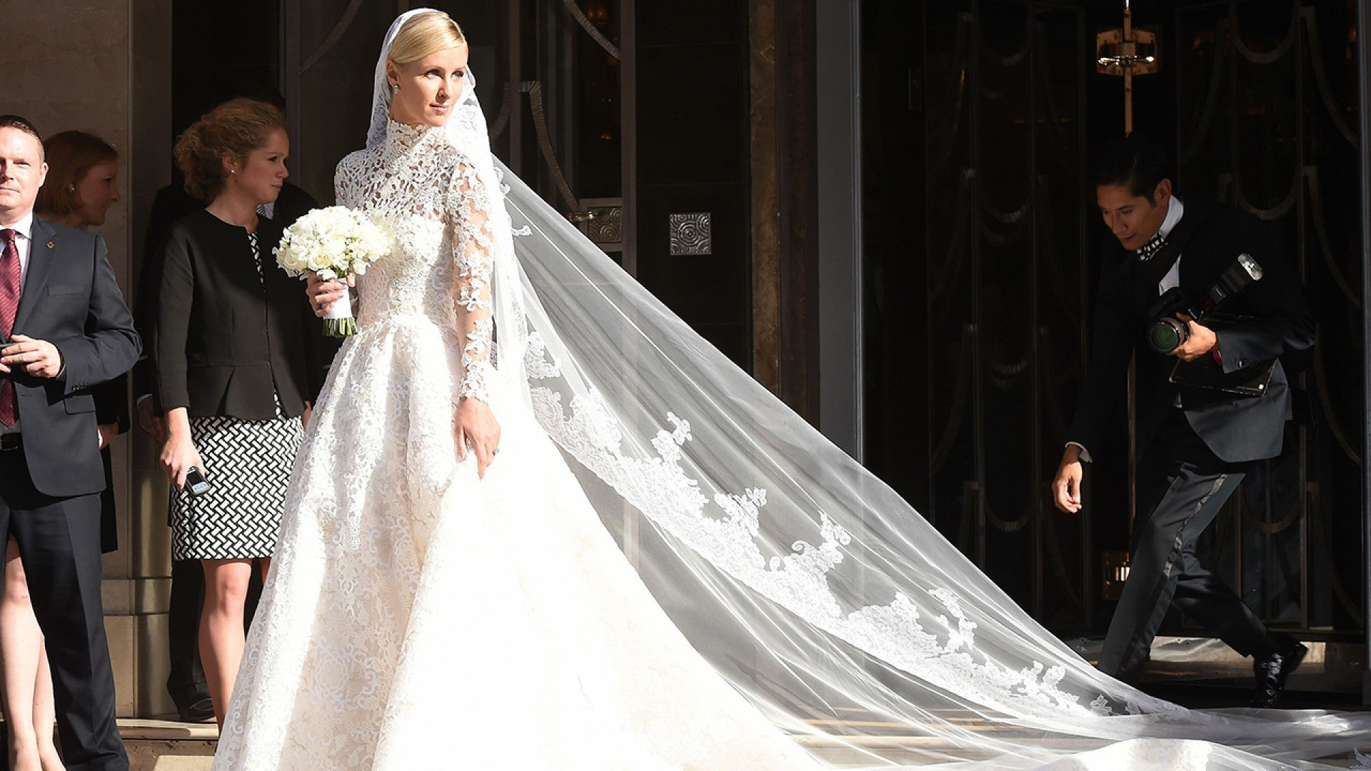Nicky Hilton's Valentino Wedding Dress Is Absolutely Stunning ...
