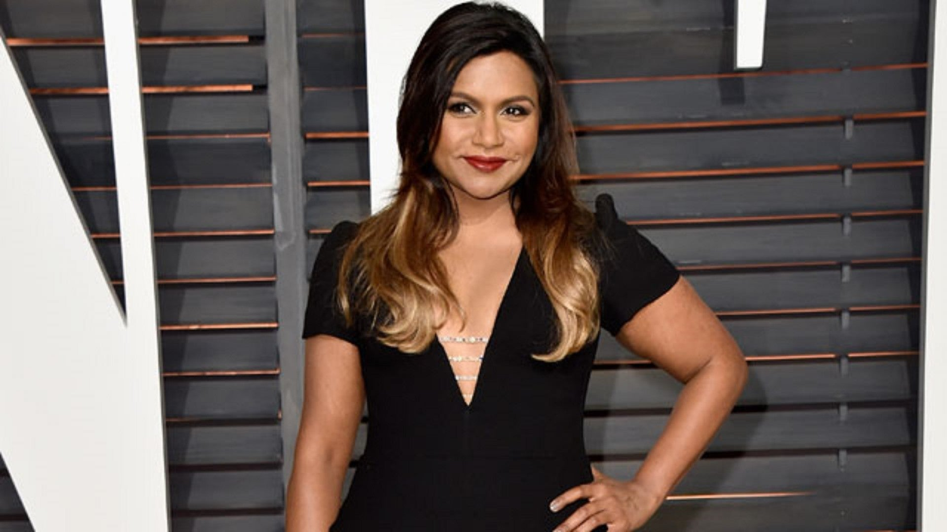 Mindy Kaling Reveals What She S Learned From Kim Kardashian Entertainment Tonight