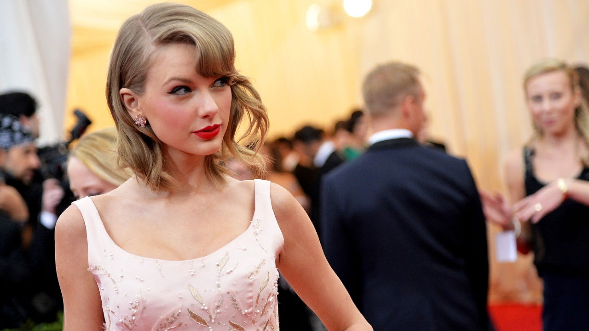 Taylor Swift Details Anxiety Filled Relationship With Harry Styles That Inspired Out Of The Woods Entertainment Tonight