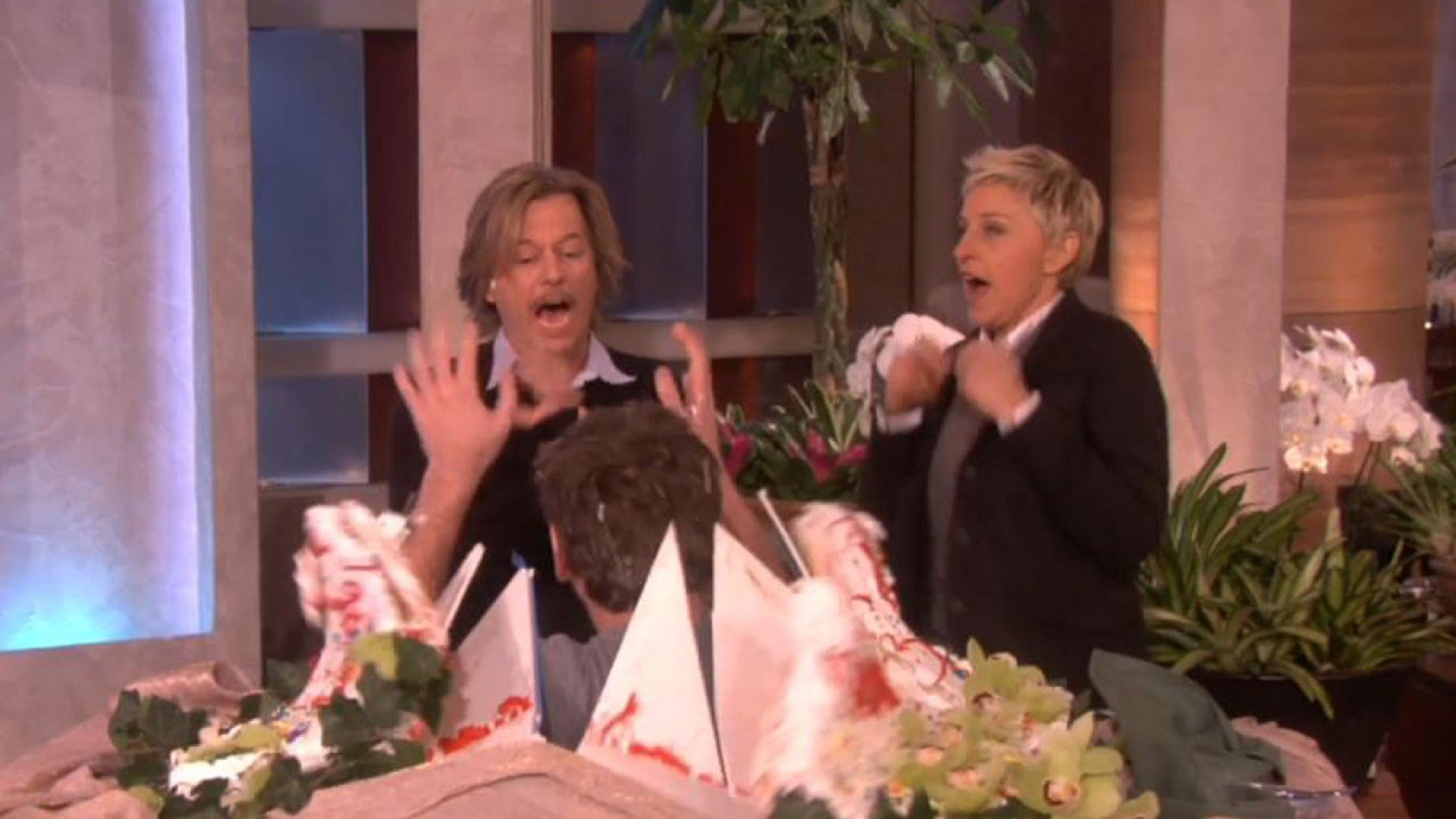 Ellen Degeneres Montage Of Her Most Famous Celebrity Scares Is The Best Thing You Ll See All Day Entertainment Tonight