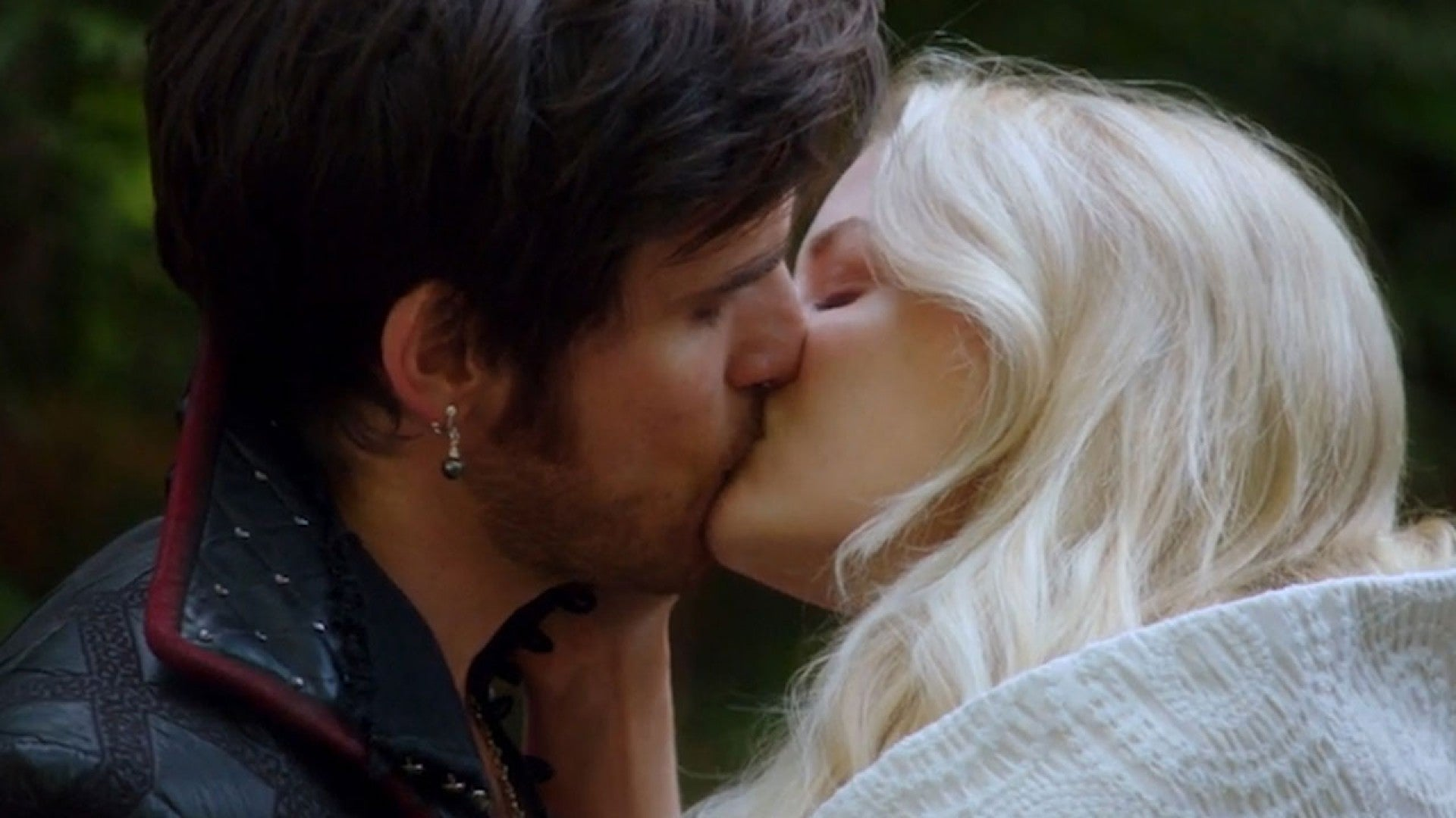 Exclusive Hook And Emma Exchange I Love You S And A Ring In