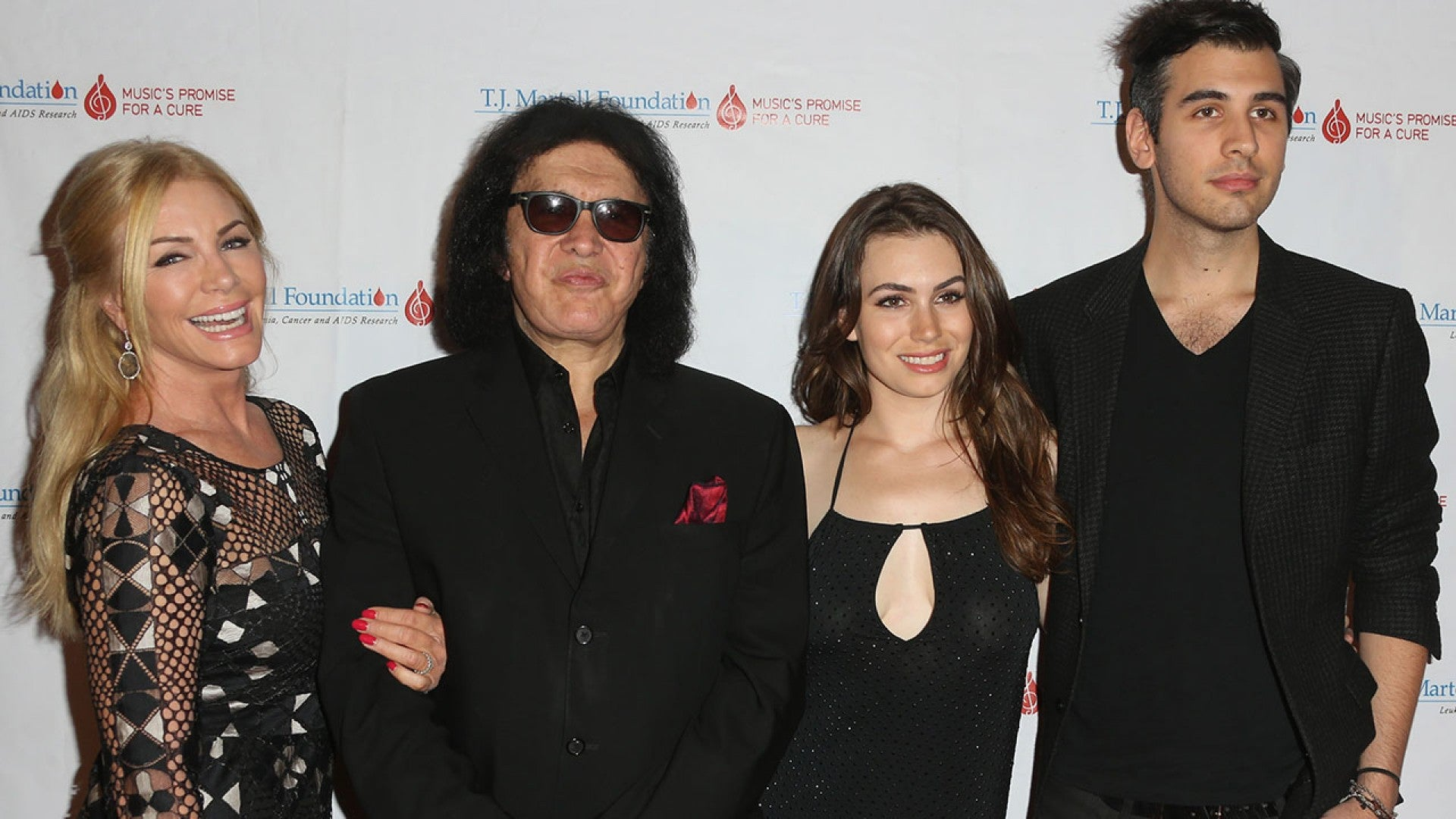 Gene Simmons Nude exclusive: gene simmons' daughter reveals why police