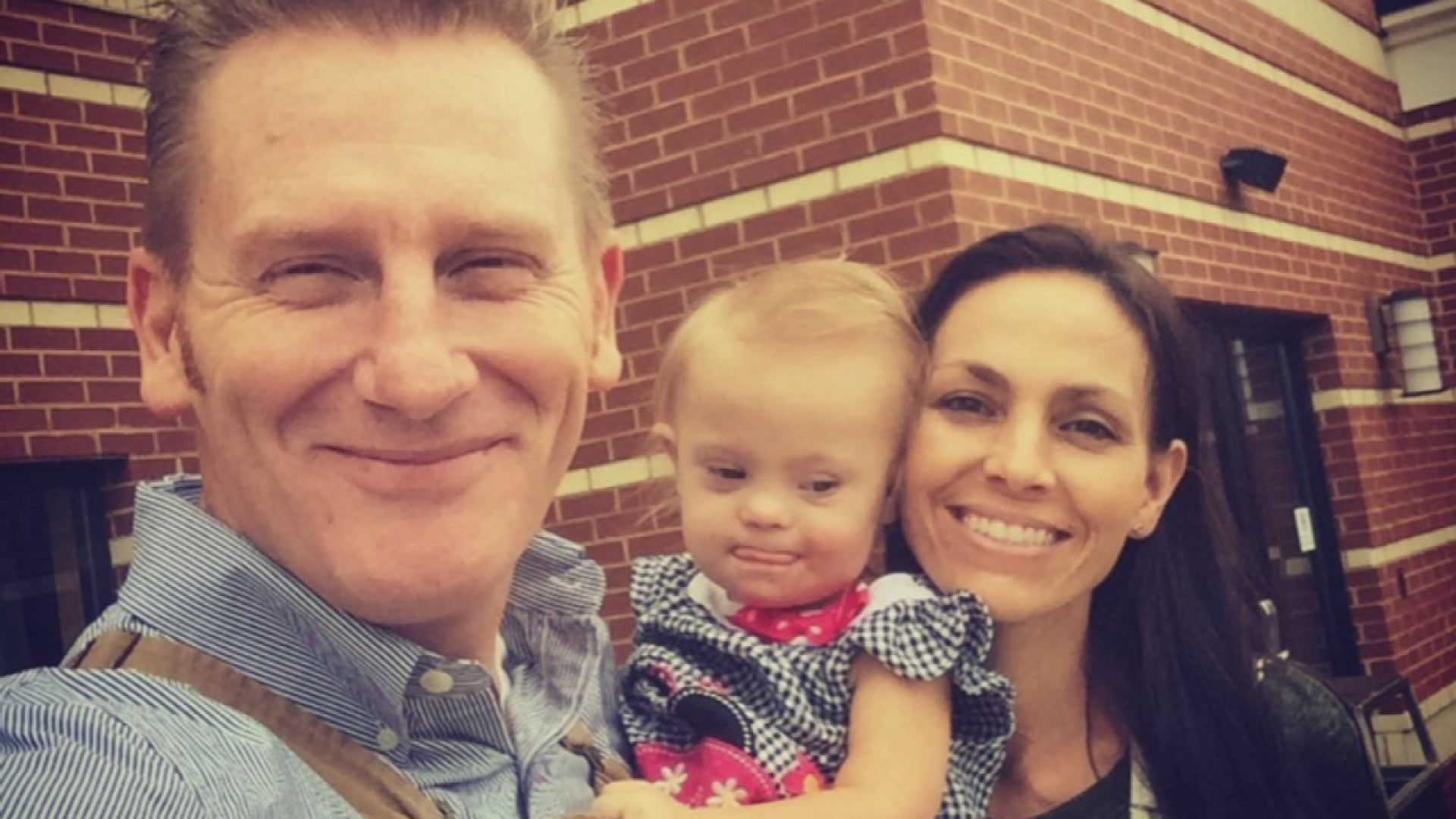 Rory Feek Shares First Video Of Daughter Indiana Speaking Entertainment Tonight Rory feek always knew his wife joey feek had the voice of an angel, but it and so rory, who's penned tunes recorded by the likes of blake shelton, kenny chesney and reba mcentire, was happy to take a step back and let joey take center stage—though he was right next to her every step of the way. joey feek cooks dinner for her family from her hospice bed