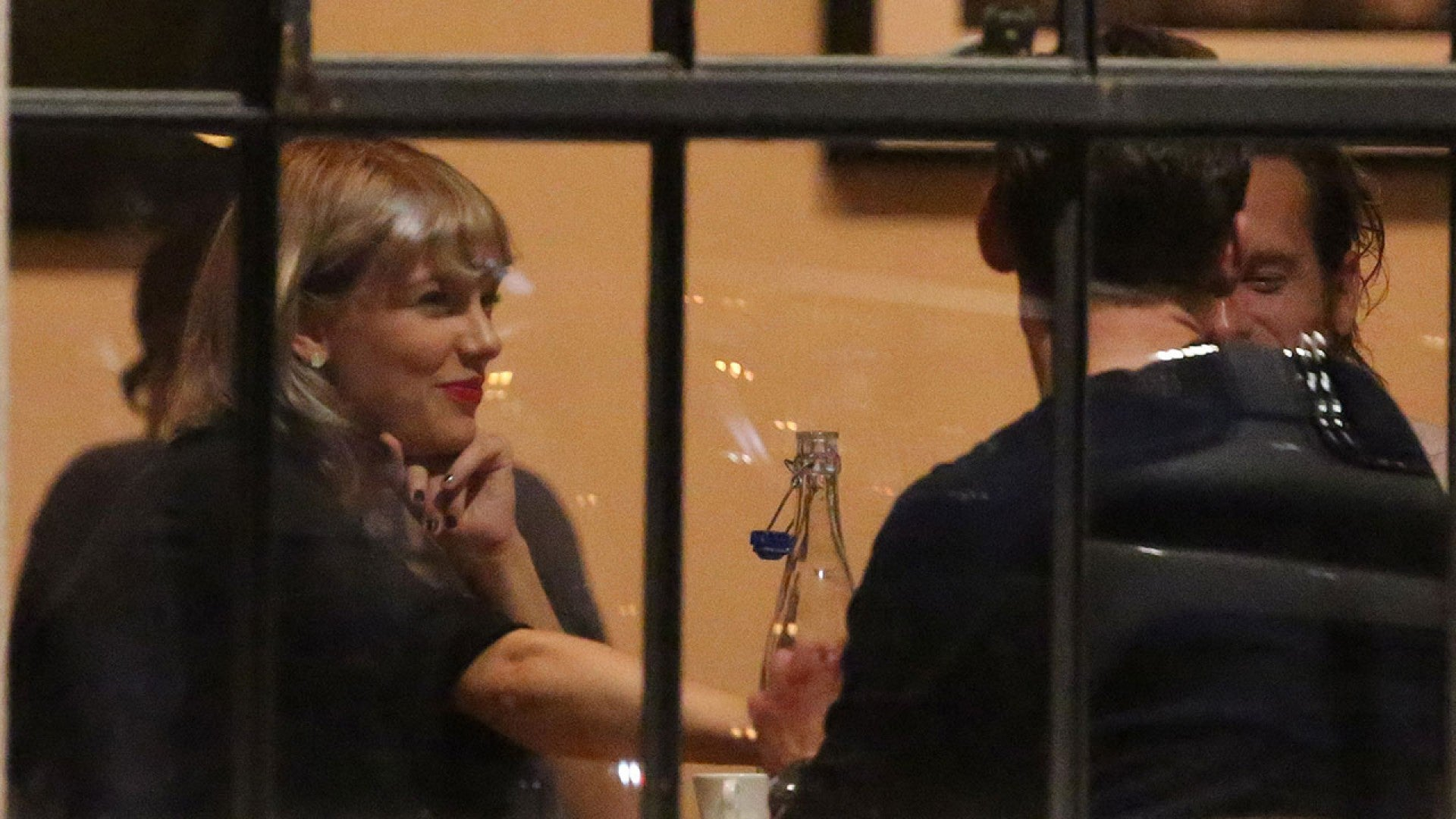 Taylor Swift Introduces Tom Hiddleston To Her Parents During Romantic Nashville Getaway Entertainment Tonight