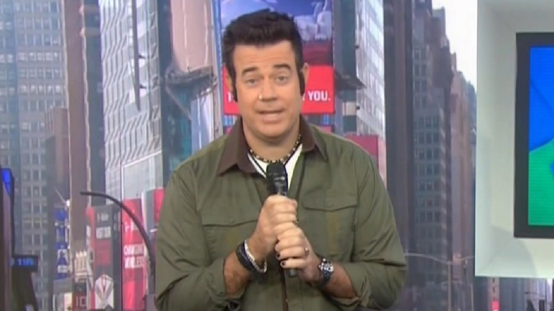 Carson Daly Channels His Mtv Trl Days With 90s Themed Halloween