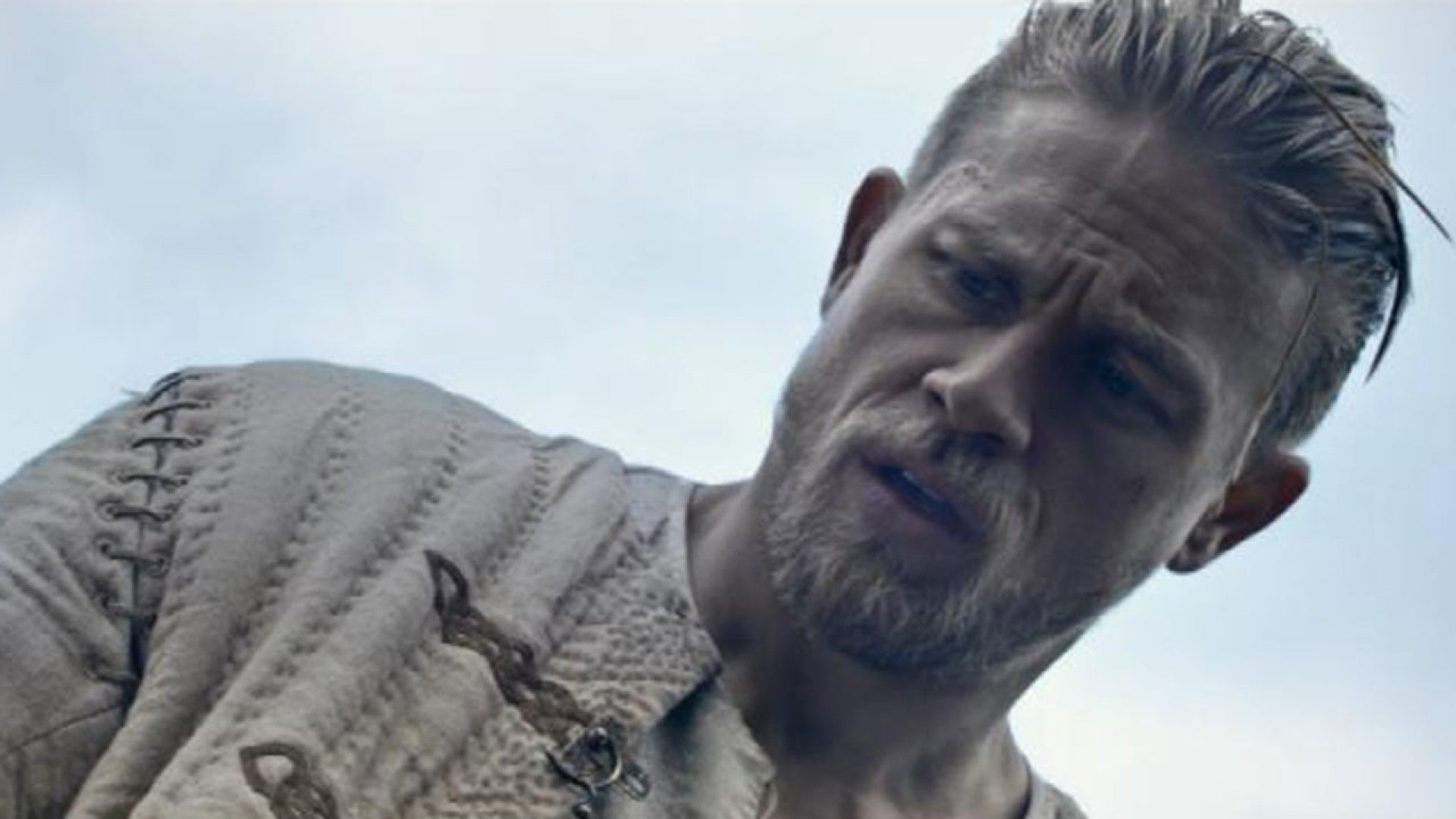 Shirtless Charlie Hunnam Heats Up The King Arthur Legend Of The