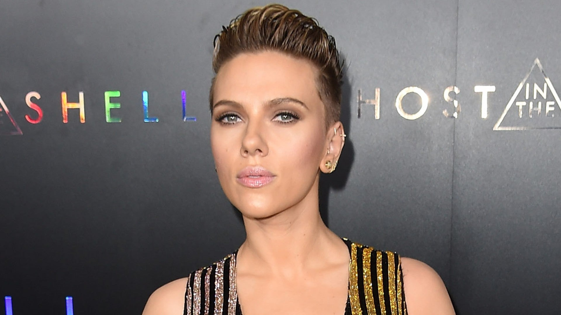 Exclusive Scarlett Johansson Stuns At Ghost In The Shell Premiere Says It S Important To Push Boundaries Entertainment Tonight