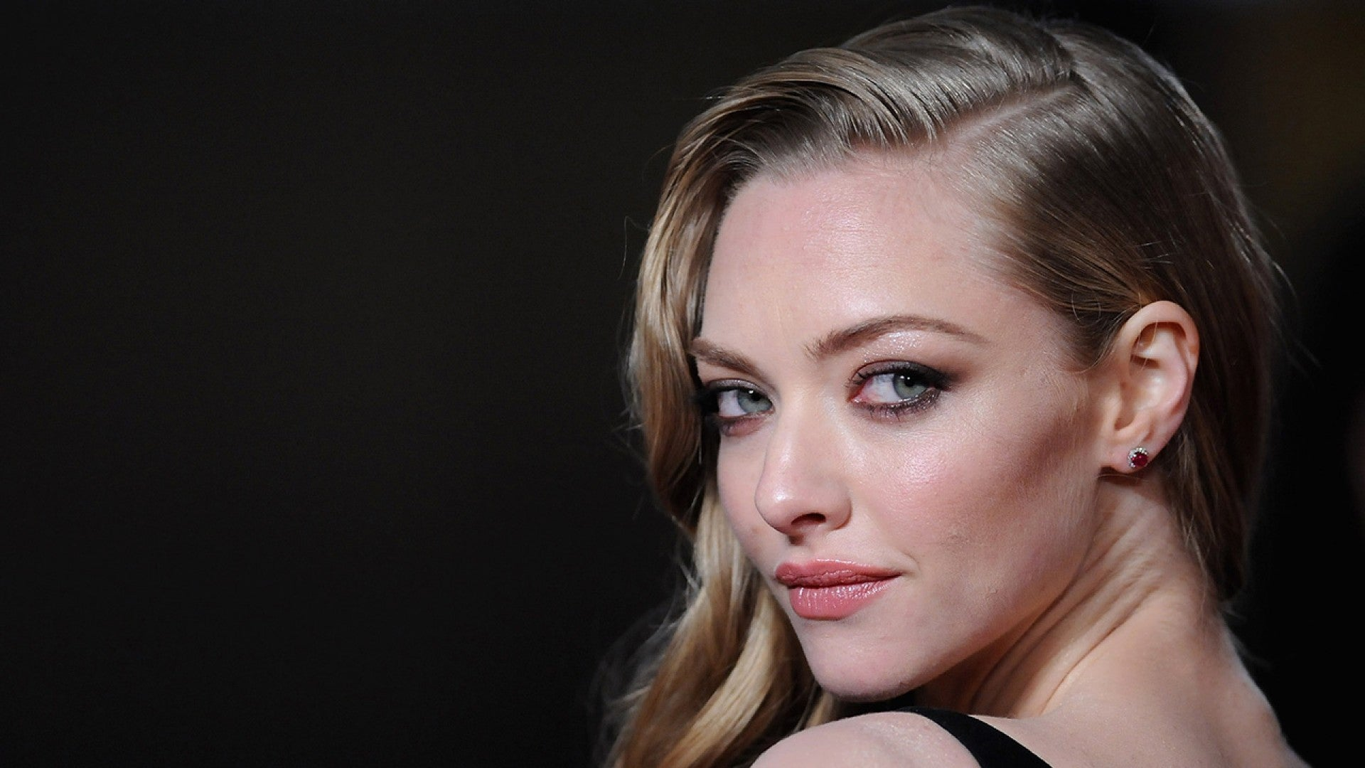 Amanda Seyfried Leaked Pictures