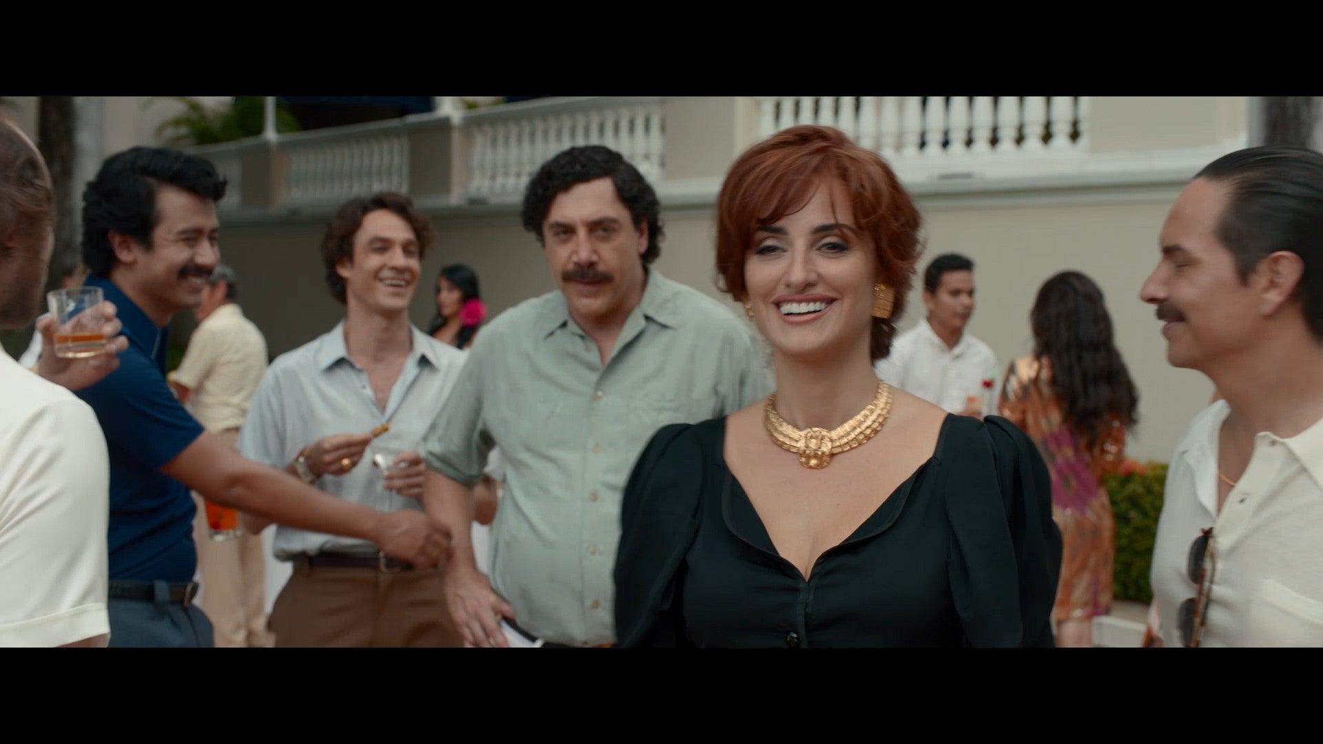 Penelope Cruz Falls For Javier Bardem S Pablo Escobar In Loving Pablo Trailer Exclusive Entertainment Tonight