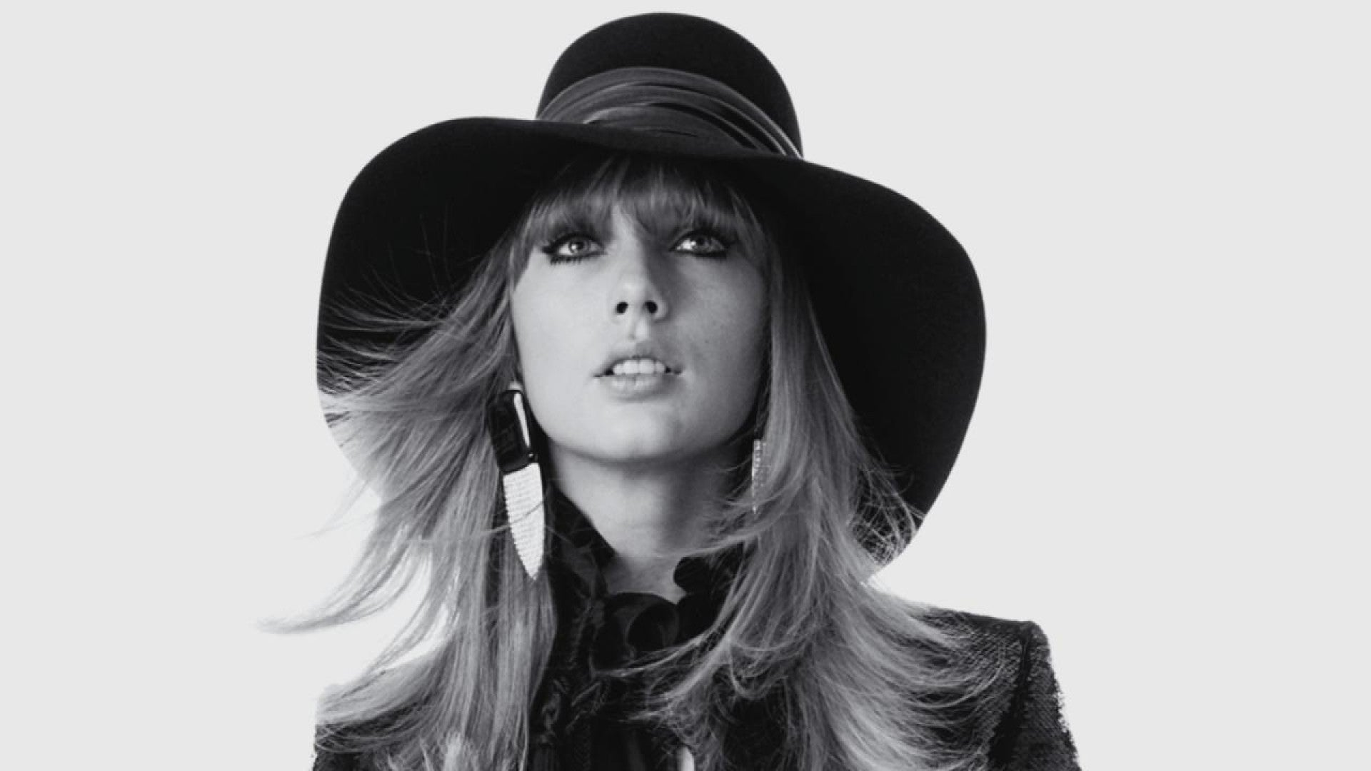 Taylor Swift Talks Her Muses And Songwriting Process In New Rocker Cover Shoot Entertainment Tonight