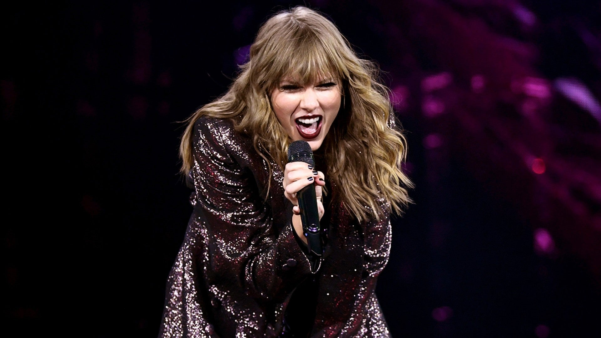 Taylor Swift Is A Total Boss Babe Singing Blank Space In Netflix Concert Film Exclusive Clip Entertainment Tonight