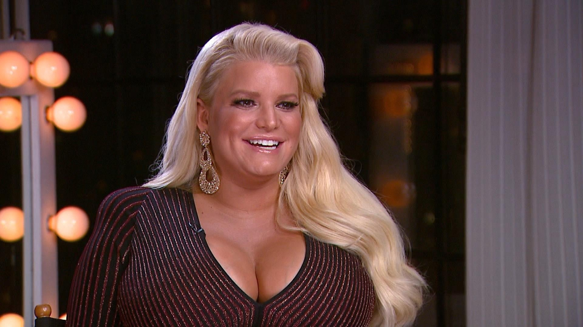 How Jessica Simpson S Kids Welcomed Their Little Sister Exclusive Entertainment Tonight